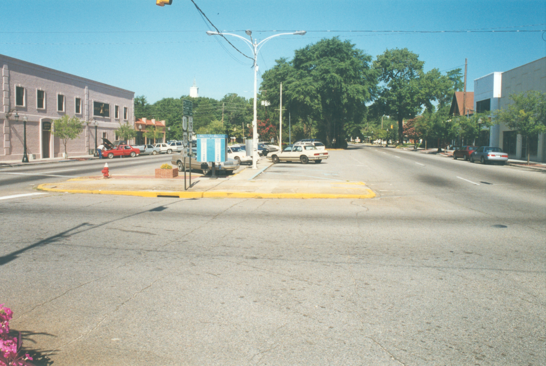 Richland Avenue & Laurens Street Looking West
